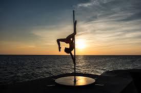 Barre Pole Dance autoportante pour usage extérieur